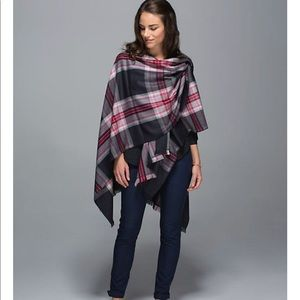 Lululemon Pranayama scarf.